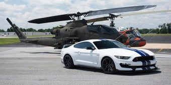 GT350R 140mph Airstrip Run + 2018 Mustang Review